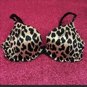 Victoria's Secret, 3 bras, 32D, re-posh